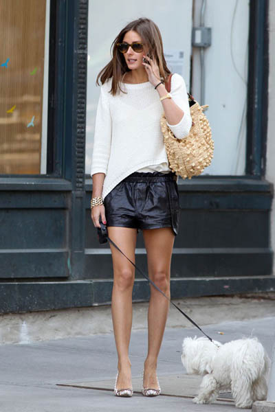 Olivia_Palermo_walking_her_dog-600x900